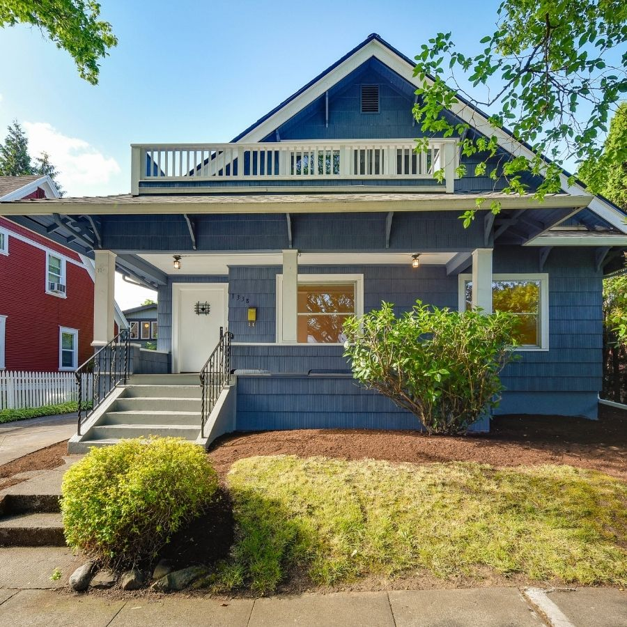 view of blue home in Portland, Portland suburbs